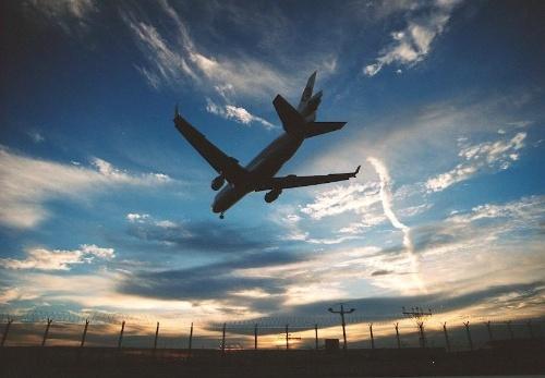 谁有飞机降落的声音mp3