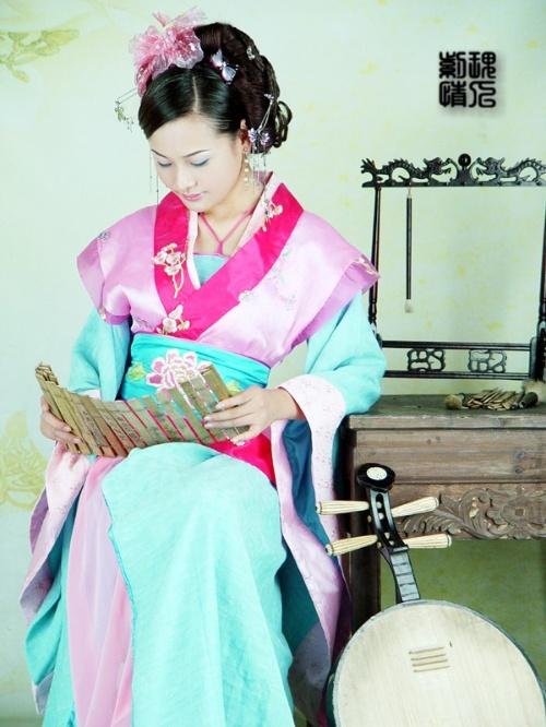古典琵琶汉服美女