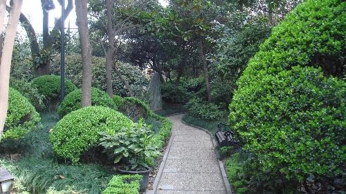 欧式 小花园 房子  欧式柱子