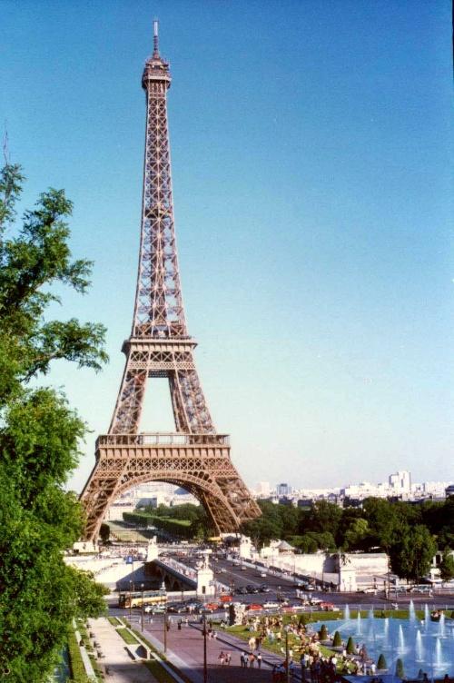 (埃菲尔铁塔与喷泉