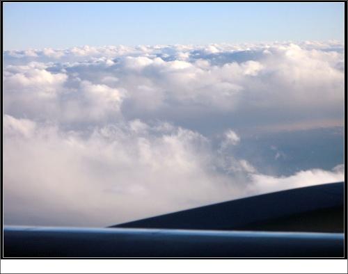在飞机上看云!